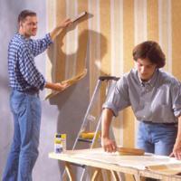 Hoe te werk gaan bij het behangen van een kamer